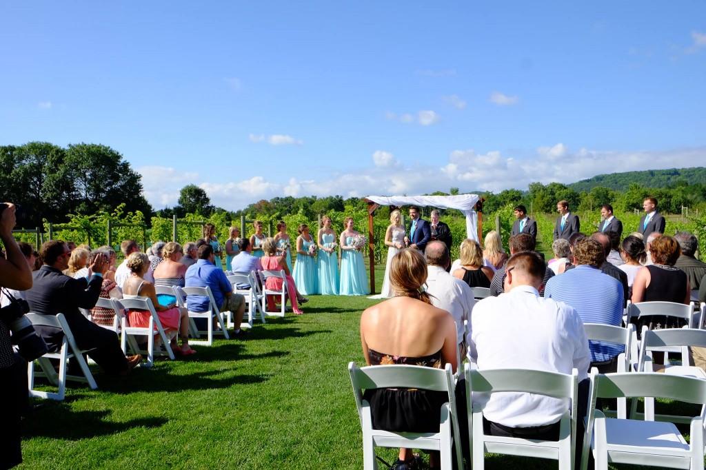 ウィスコンシン州ワイナリーで結婚式 - 岡田光世