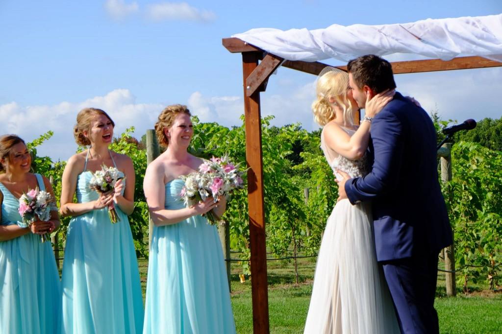 ウィスコンシン州のワイナリーで結婚式 - 岡田光世